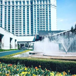 little-america-hotel-grounds