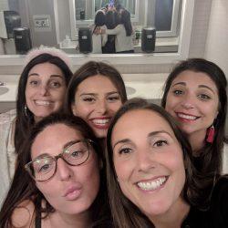 blu bathroom selfies