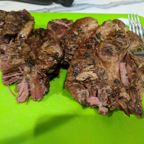 beef and veggie crock pot roast place meat on cutting board