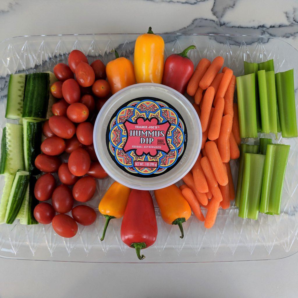 veggie platter rectangle w. hummus